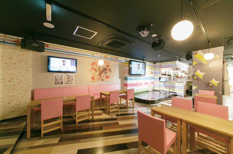 アニソンカフェの施工事例:内装・座席(すた〜ず)